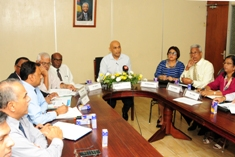 Coronavirus: Health Minister meets stakeholders to coordinate actions