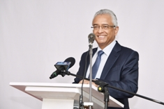 Prime Minister Jugnauth appeals to population to come together to fight the scourge of drugs
