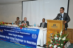 Tripartite workshop focuses on minimum wage fixing challenge in Mauritius
