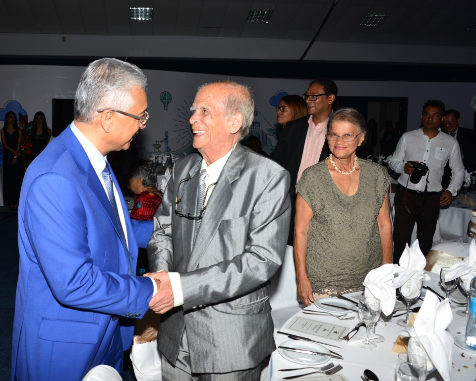 Prime Minister acknowledges contribution of artists in socio-economic landscape of Mauritius