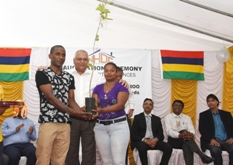 Minister Jhugroo inaugurates Residence Azurite at Piton