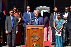 Prime Minister addresses students on the occasion of the National Day celebrations