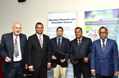 Signing of MoU by SME Mauritius and Mauritius Research and Innovation Council
